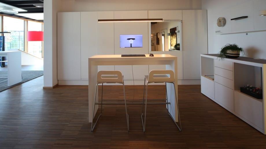 Lichtstudio Vorarlberg. Lichtideen enstehen hier. Besucher können das Lichtstudio selbständig mit iPads erkunden.