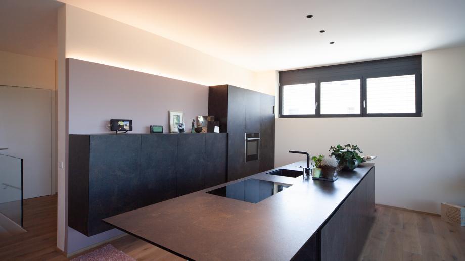 Lichtlösungen Küche, indirekte Beleuchtung von Conceptlicht